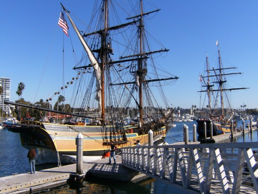 "the tall ship ""Lady Washington"""