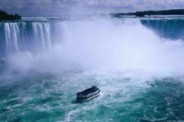 Niagara Falls with the Maid of the Mist Ontario, Canada