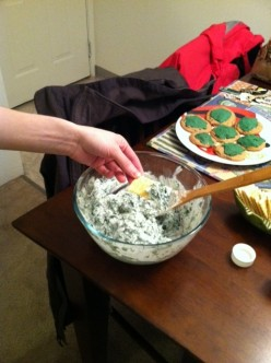 My spinach dip being served with a yummy buttery cracker.
