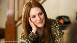 Nick Flynn's mother, Julianne Moore
