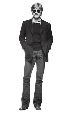 Robert Redford sporting the blazer, sweater and shirt combo.