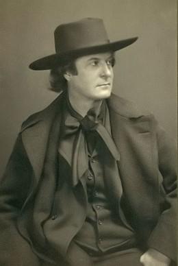 Elbert Hubbard (1856-1915).
