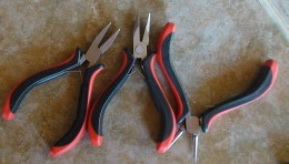 Chain-nose pliers and round nose pliers