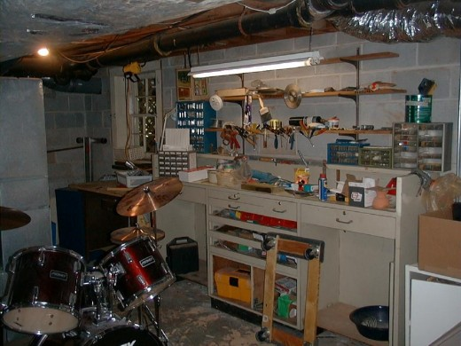 This fabulous workshop & storage area would deserve to be included in your ad