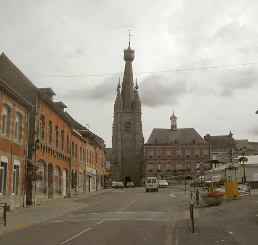 Solre-le-Château - church and town hall