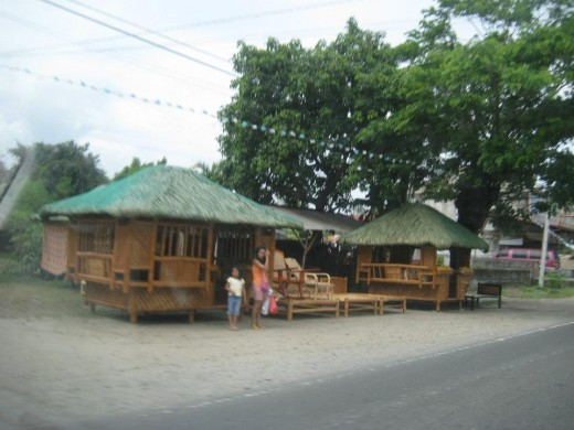 Native movable houses near the road at Pampanga