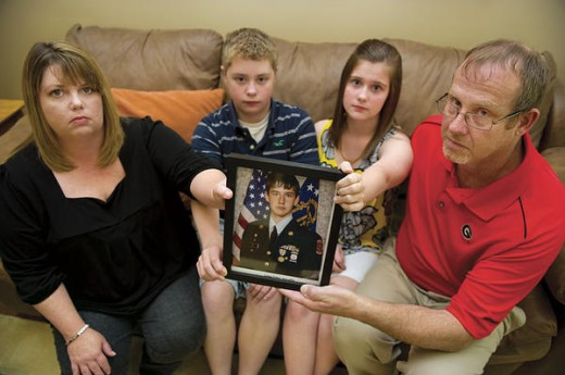 Tyler Long's family: mom Tina, siblings Troy and Teryn, dad David