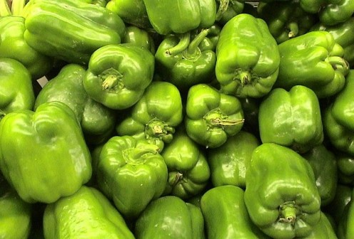 Green peppers are a healthy choice for toppings.