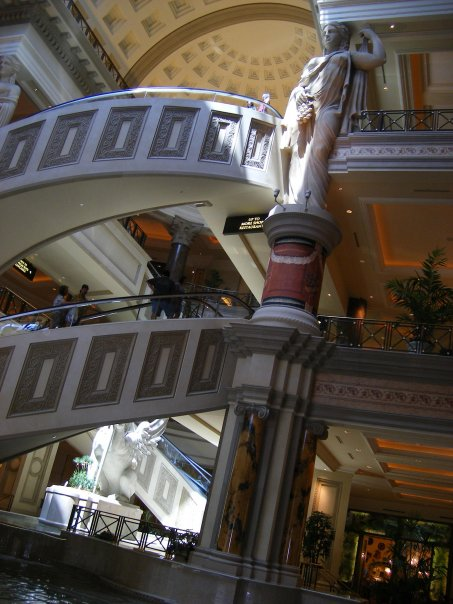 The beautiful staircase in Caesars Palace.