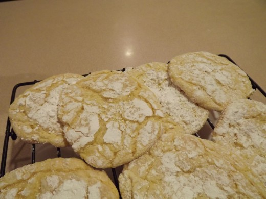 Fresh lemon cooler cookies from the oven.