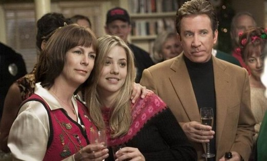 Jamie Lee Curtis, Julie Gonzalo and Tim Allen in Christmas with the Kranks (2004)
