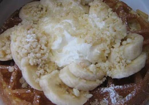 Kono's Banana Macadamia Nut Waffle