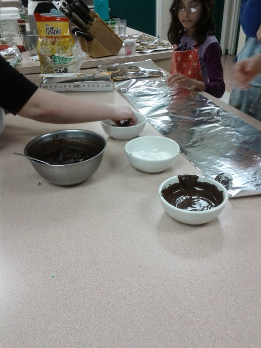 Dip ganache balls into melted chocolate or roll in cocnut or cocoa powder to coat