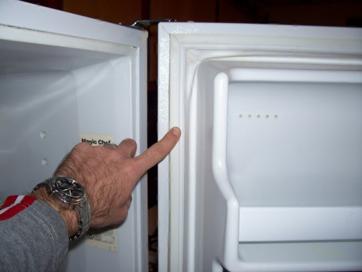 How to Replace the Gasket Seal on a Refrigerator/Freezer