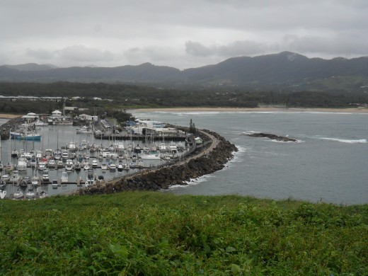 Coffs Coast is a continuous stretch of scalloped beaches with points and headlands that generate wave after wave in all winds and weather. The colourful willages and seaside communities are just as peaceful as can be...