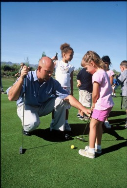 Children's golf (image source: www.brightsidegolfacademy.com)