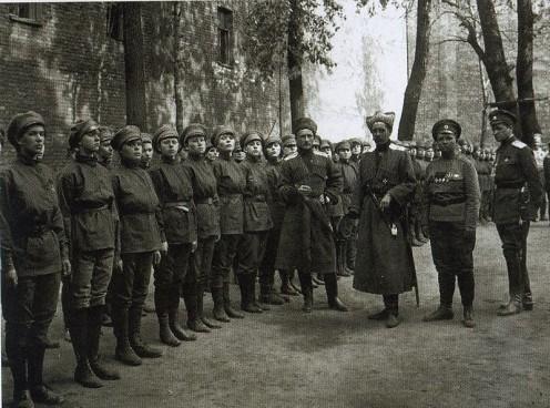"WW1: Volunteer ""1st Women's Death Battalion"" of Russian Army of Mariya Bochkareva (Yashka). Petrograd. Summer 1917"