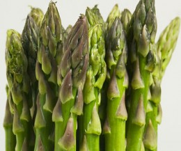 Pic of raw asparagus.