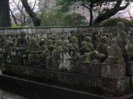 Over 500 Statues of the disciples of Buddha.