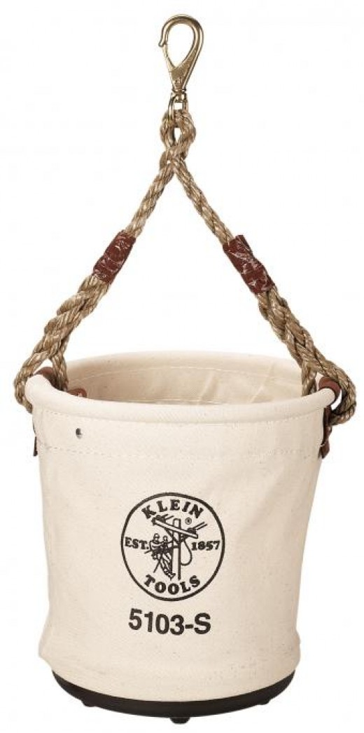 A linnen bucket