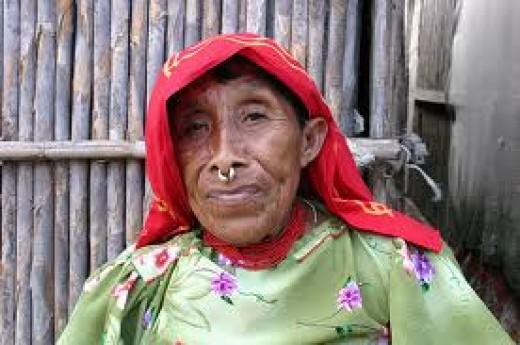 REGAL KUNA INDIAN WOMAN