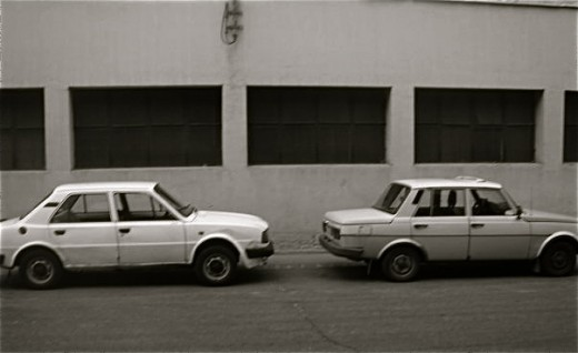 Brothers: A Skoda on the left and a Wartburg on the right