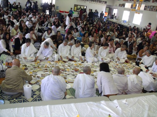 After the prayer nuns are eating before lay people.
