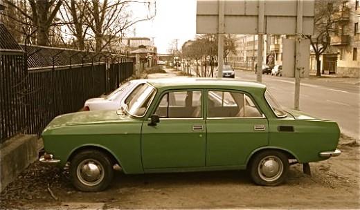 """Moskvich in """"communist green"""""""