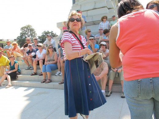 Jeanne Allen of the Valentine Museum at the base of the Lee Monument