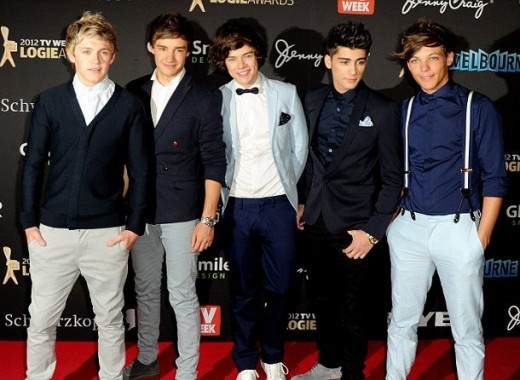 One Direction in Melbourne - Liam Payne, Zayn Malik, Harry Styles, Louis Tomlinson and Niall Horan posing at the Logie Awards.
