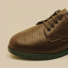 Bespoke Shoes can help to alleviate foot pain.