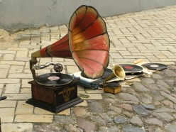 How did a phonograph work?