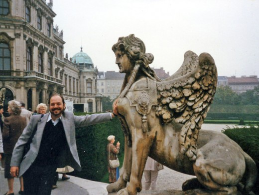 Ugly American gets fresh with Viennese eagle-lion-goddess at The Belvedere.