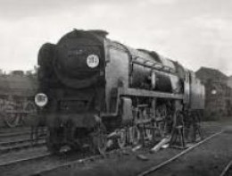 Southern Merchant Navy class with Disc code instead of lamps. These were used also on the Great Eastern section of B R