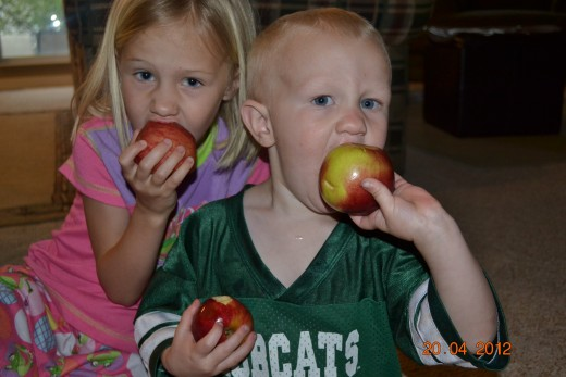 Kids Love Fruit!