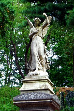 Brooklyn's Ornate Victorian Green-Wood Cemetery:A Hidden City Gem