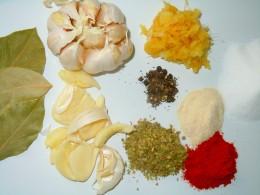 Bay leaves, garlic cloves, fresh grated ginger, peppercorn, onion powder, oregano, paprika