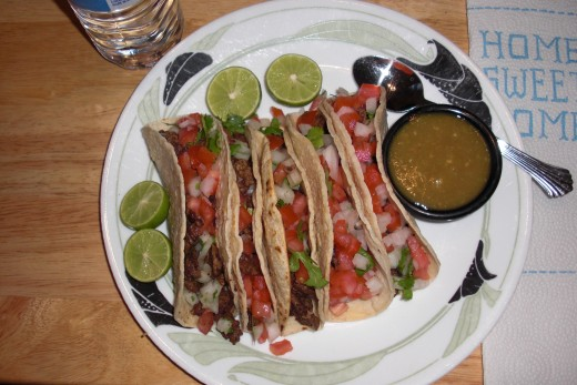 Here are some tacos I made recently for our dinner!  Served with sliced limes, pico de gallo and homemade tomatillo chile.  Delicious!!!!!!