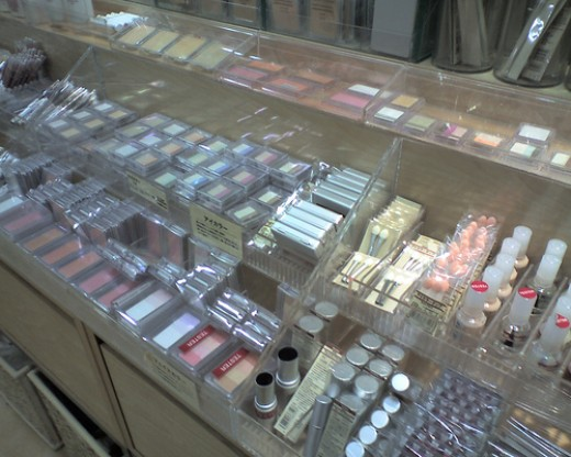 So many cosmetics to choose from!