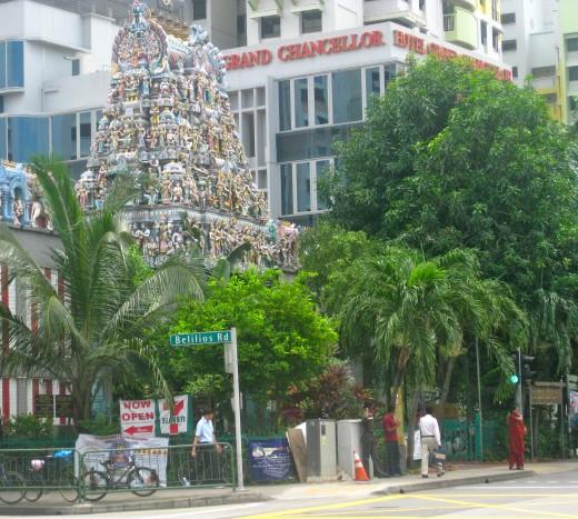 The fantastic Sri Mariamman Temple exterior