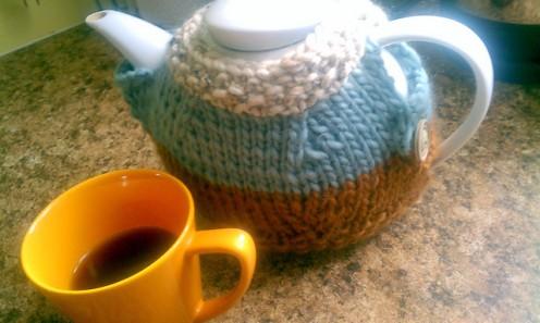 Teapot Cosy pattern, by Alexis Layton