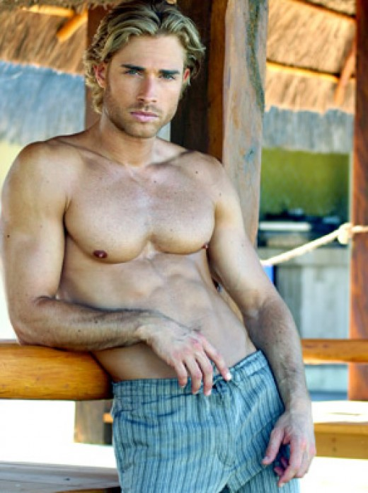 Argentinean Sebastian Rulli plays a love triangule in the telenovela Rubi