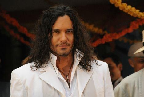 Mario Cimarro plays a lovely soul in the telenovela El Cuerpo del Deseo