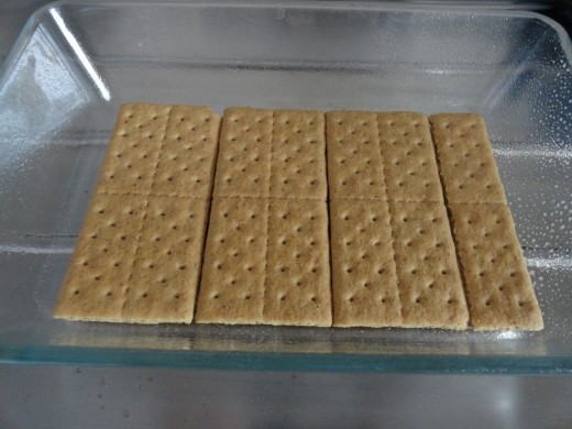 single layer of graham crackers