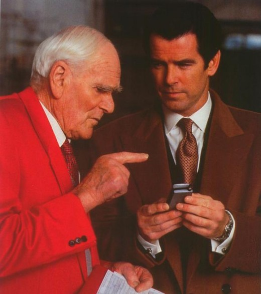 Desmond Llewelyn with Pierce Brosnan