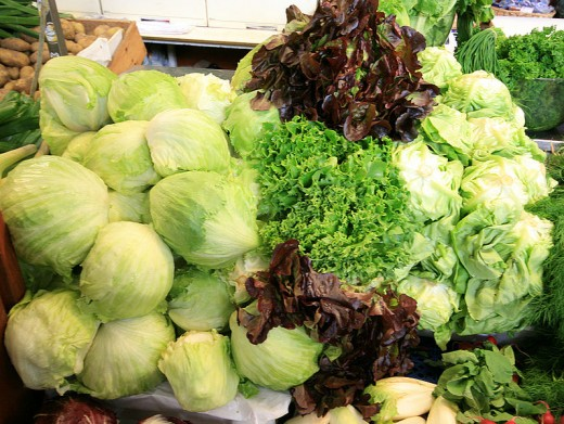 Head and loose-leaf lettuce