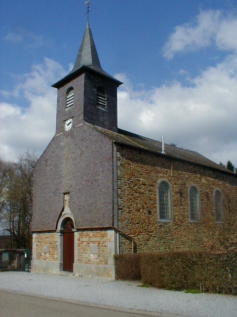 Brûly-de-Pesche, church