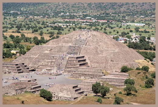 Pyramid of the Sun at TenotchtÍtlan.