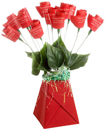 Classic Paper Roses are perfect for paper anniversary gifts