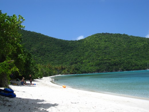 Big Maho Bay is larger and less frequented than Little Maho Bay.
